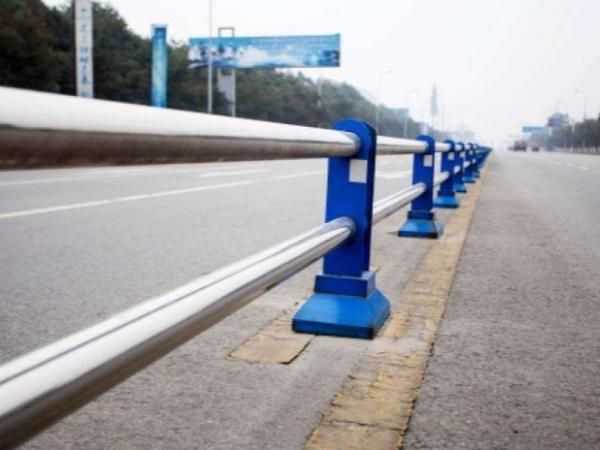不锈钢道路护栏多少钱一米?哪里的厂家比较好?
