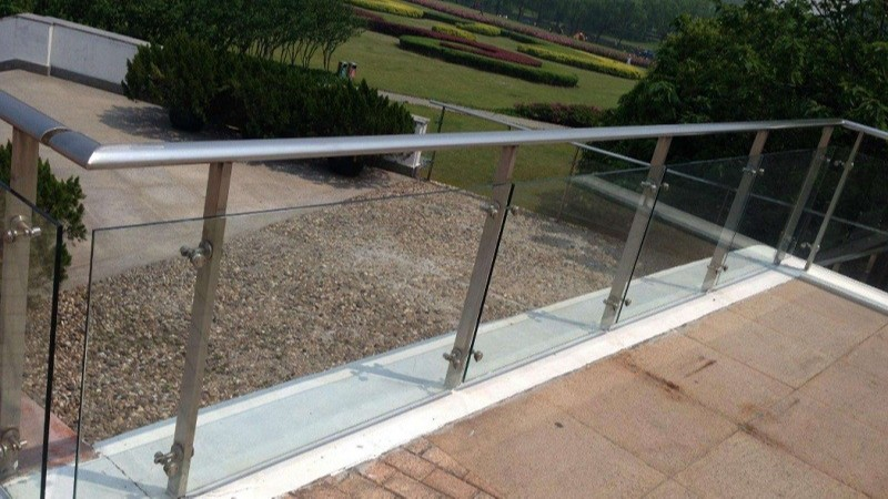 不锈钢玻璃防护栏