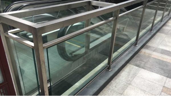 不锈钢夹胶玻璃栏杆