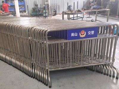 不锈钢护栏厂家 ▏南山交警不锈钢铁马护栏项目