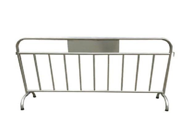 定制移动式不锈钢铁马护栏