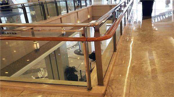商场不锈钢夹玻璃护栏