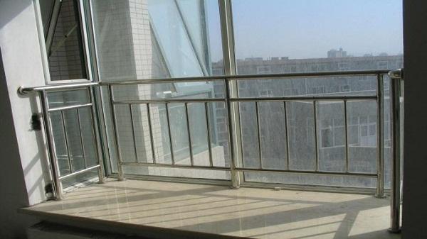 飘窗不锈钢安全防护栏