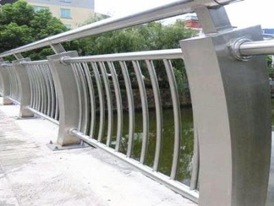 河道不锈钢护栏XSF-19-0033