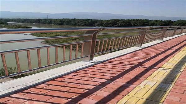桥梁防撞不锈钢护栏
