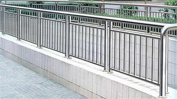道路防撞不锈钢护栏定制