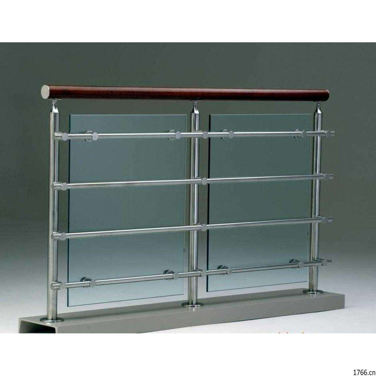 拉丝不锈钢护栏是不是更易生锈?