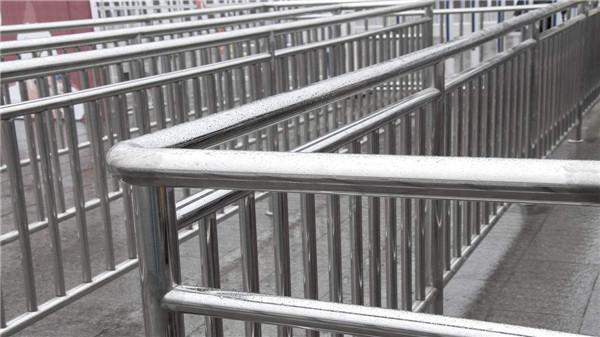 五个理由告诉你为什么要选择不锈钢护栏
