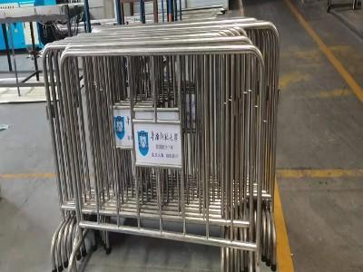 不锈钢护栏厂家|华南师范大学附属南沙小学铁马护栏项目