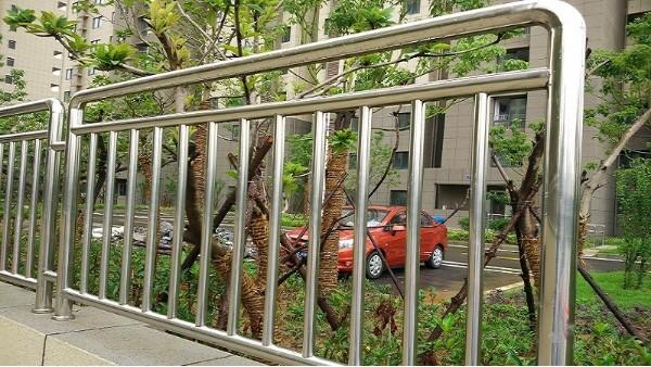户外不锈钢防护栏