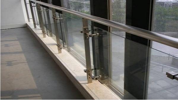 医院走廊不锈钢防护栏