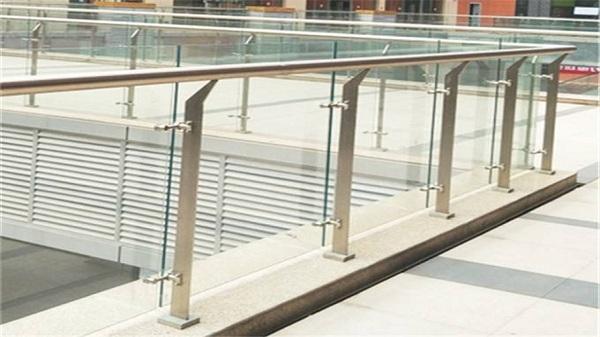 玻璃不锈钢防护栏杆