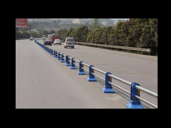 不锈钢道路护栏原来有这么多用处