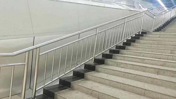 地铁站不锈钢护栏