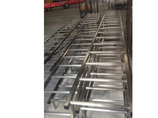 工程案例:不锈钢爬梯项目工程