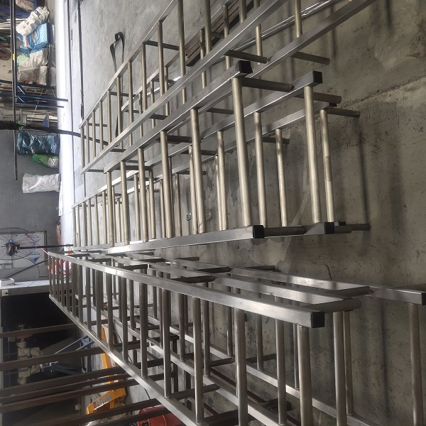 304不锈钢爬梯