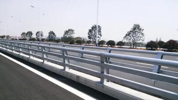 道路防撞不锈钢护栏