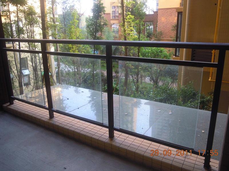 阳台玻璃不锈钢护栏
