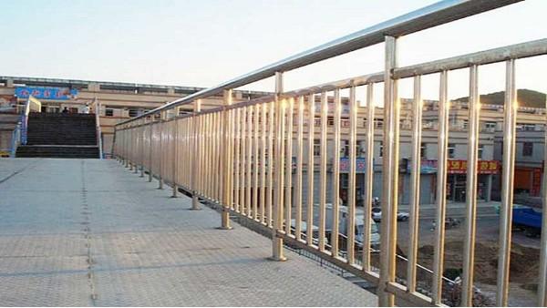 人行天桥不锈钢护栏