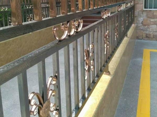 不锈钢护栏生锈了怎么办?