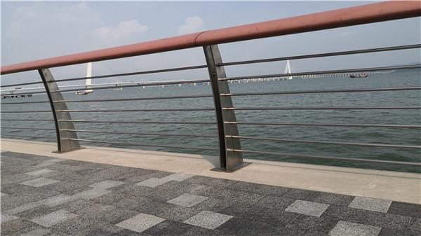不锈钢护栏安装时这一步必不可少