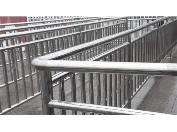 不锈钢护栏栏杆配件包括什么?