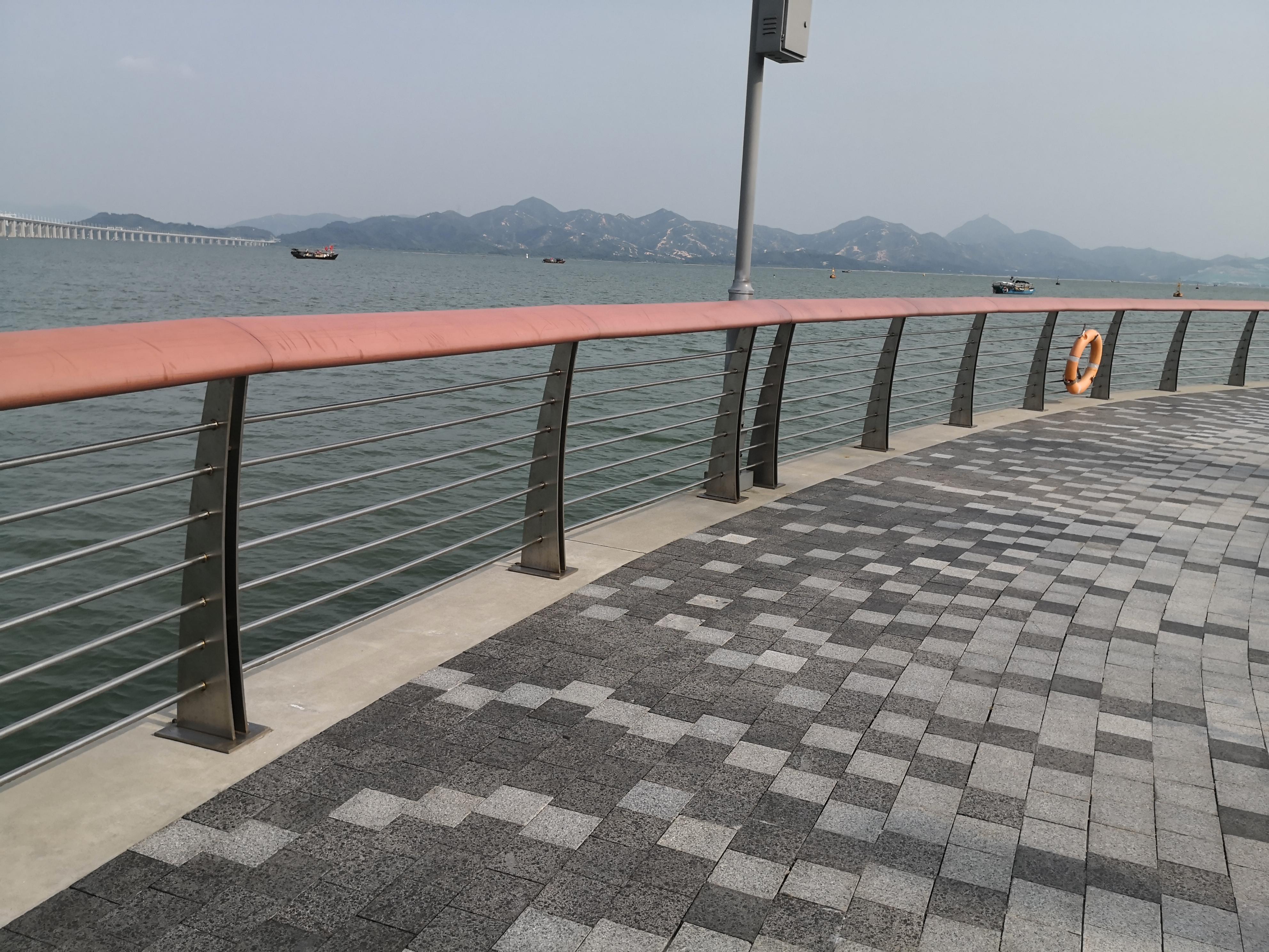 海边为什么推荐你用316不锈钢护栏?